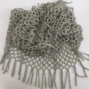 Accessories - Fringed knitted infinity scarf